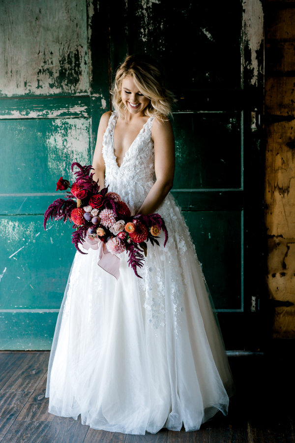 Vivid Industrial Wedding Inspiration in Downtown Seattle on Apple Brides