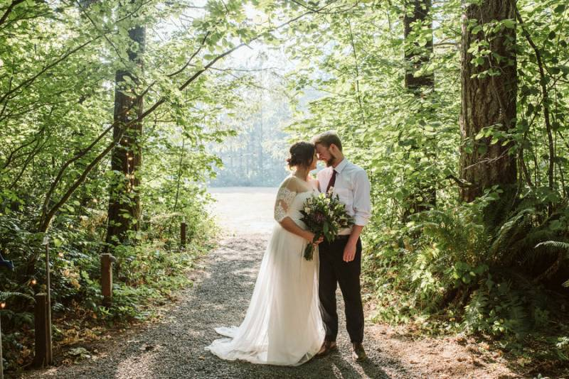 Woodsy Vow Renewal Celebration in Southwest Washington on Apple Brides
