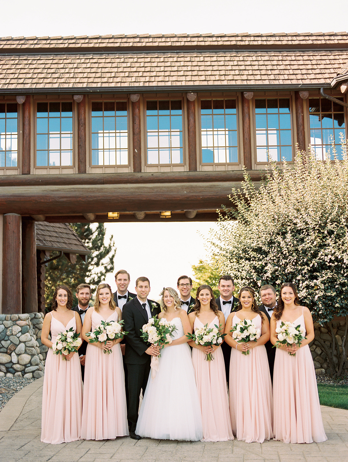 Warm and Sunny Vineyard Estate Wedding in Walla Walla, Washington on Apple Brides