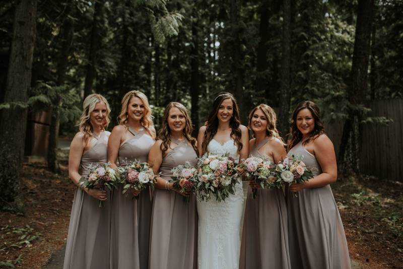 Vintage Inspired Lakeside Wedding in Sandpoint, Idaho on Apple Brides