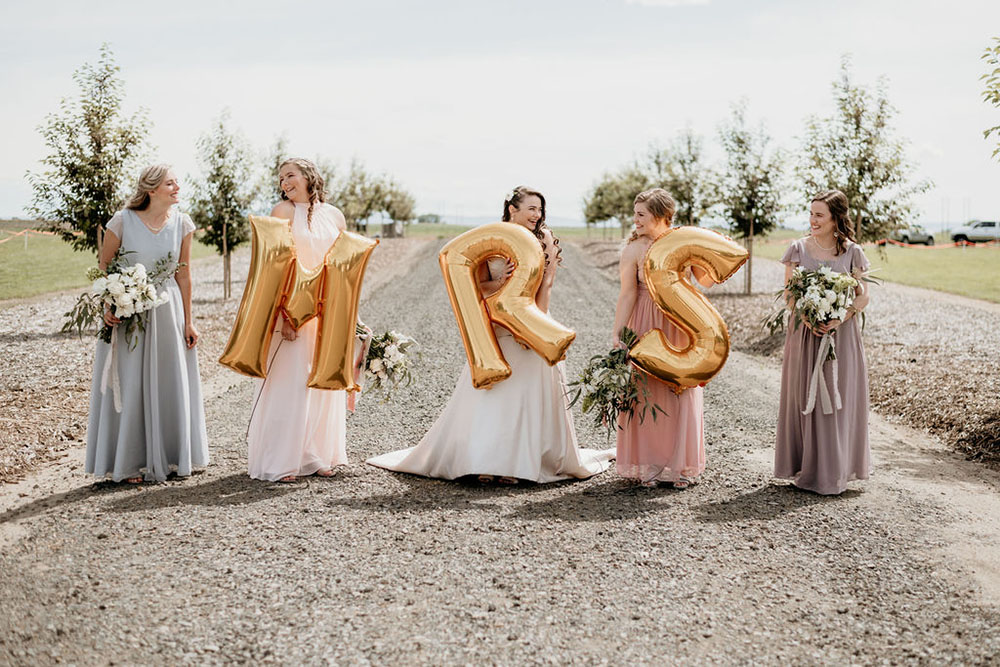 Bridesmaids with MRS. Balloons