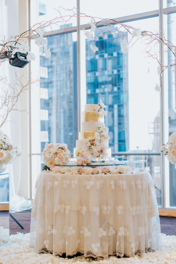 Elegant Ballroom Wedding in Downtown Seattle on Apple Brides