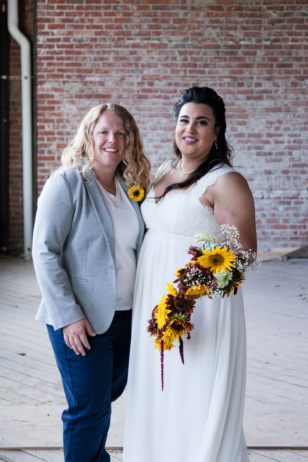 Sunny Fall Schoolhouse Wedding in Moscow, Idaho on Apple Brides