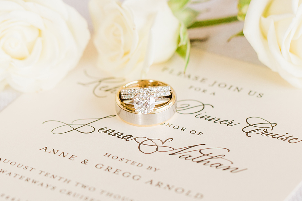 Classic & Elegant Seattle Wedding On Apple Brides