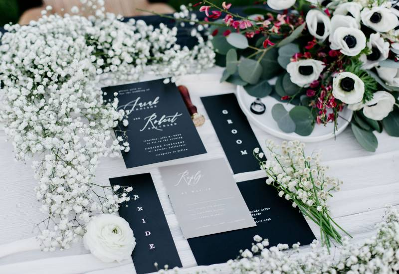 Classic Black & White Mansion Styled Shoot on Apple Brides