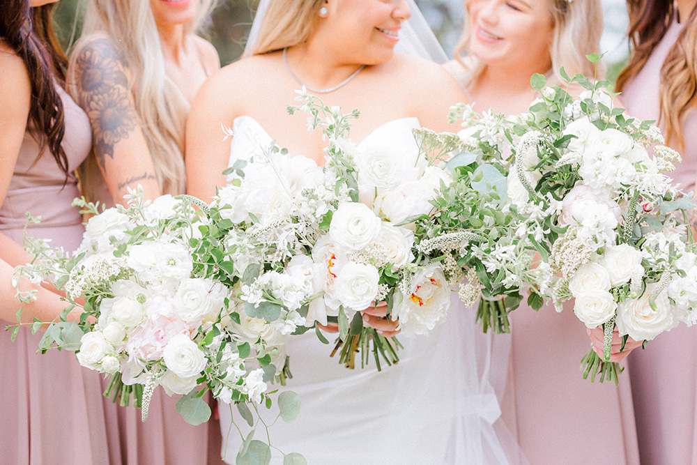Dreamy Lakeside Wedding In Coeur d'Alene on Apple Brides