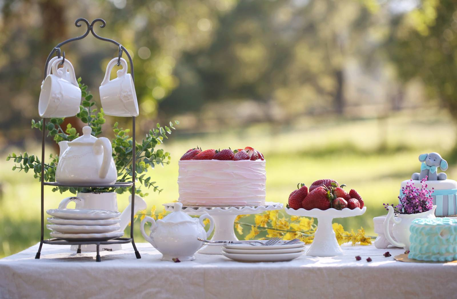 5 Things to Consider When Choosing the Wedding Cake of Your Dreams