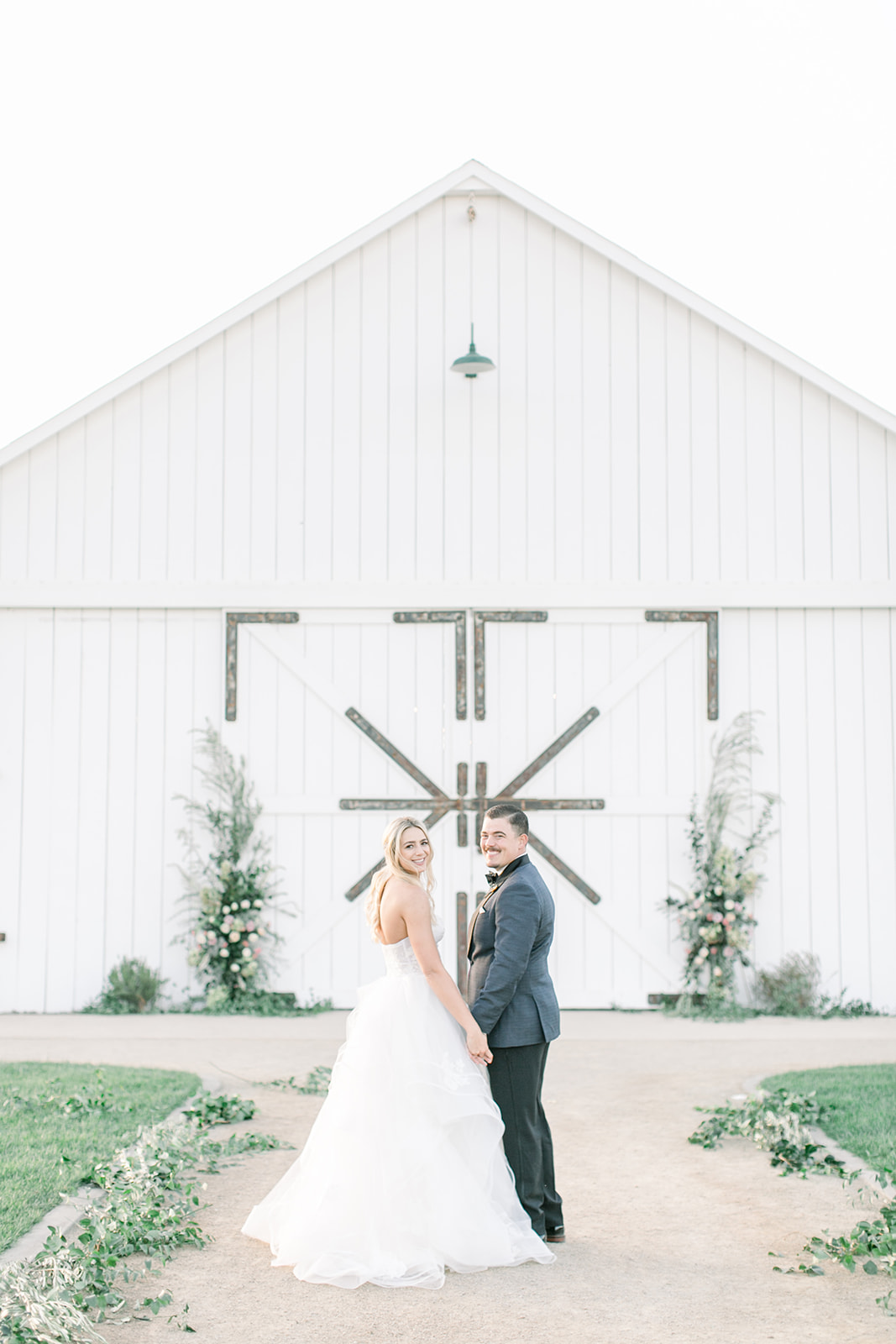 A Fresh and Modern Country Wedding at The White Barn in Edna Valley | The Wedding Standard