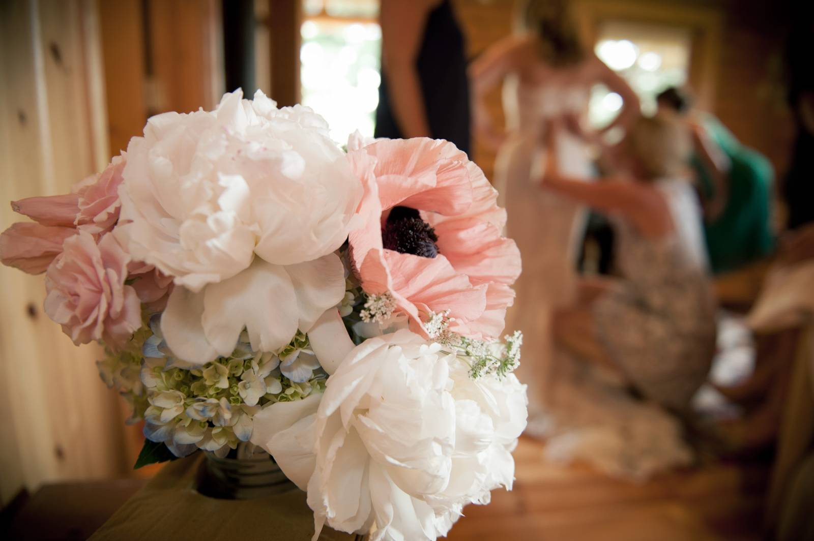 spring wedding bouquet captured by Montana wedding photographers Larry Stanley Photography