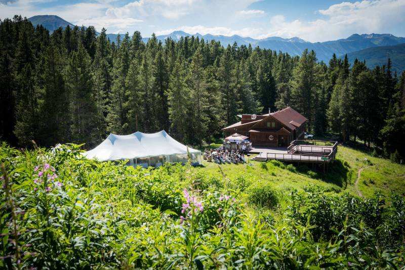 Uley 39 s cabin wedding crested butte events real wedding for Uley s cabin crested butte wedding
