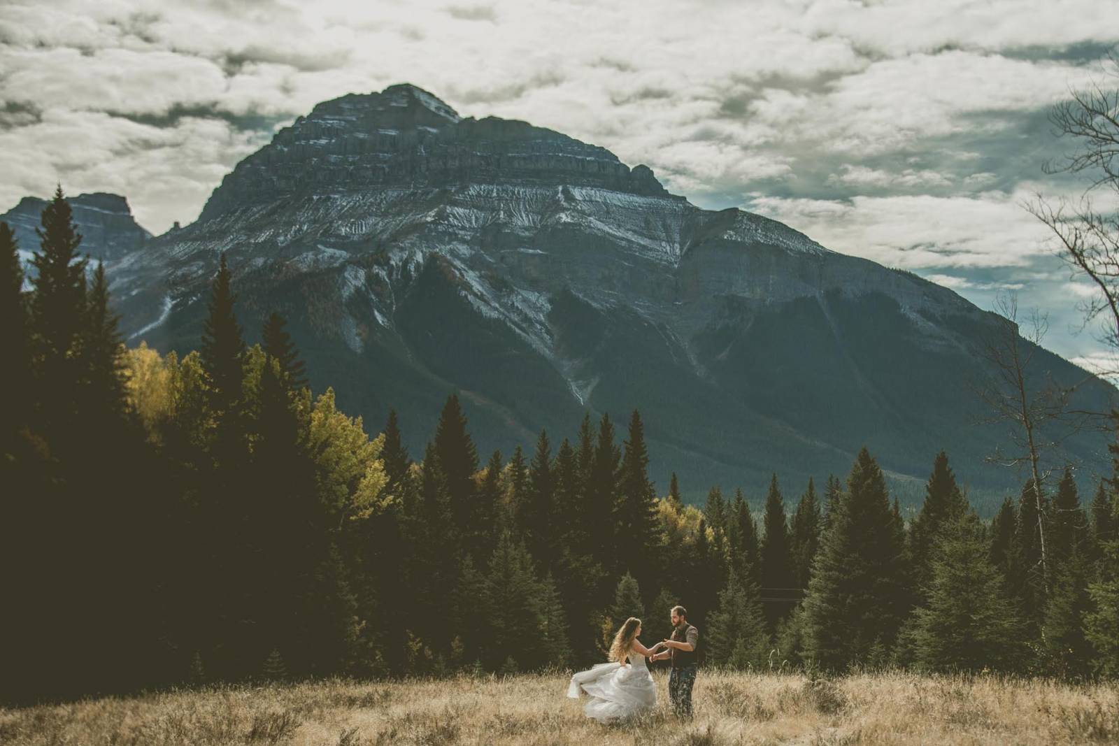 epic Rocky Mountain elopement captured by Shalene Dawn Photography