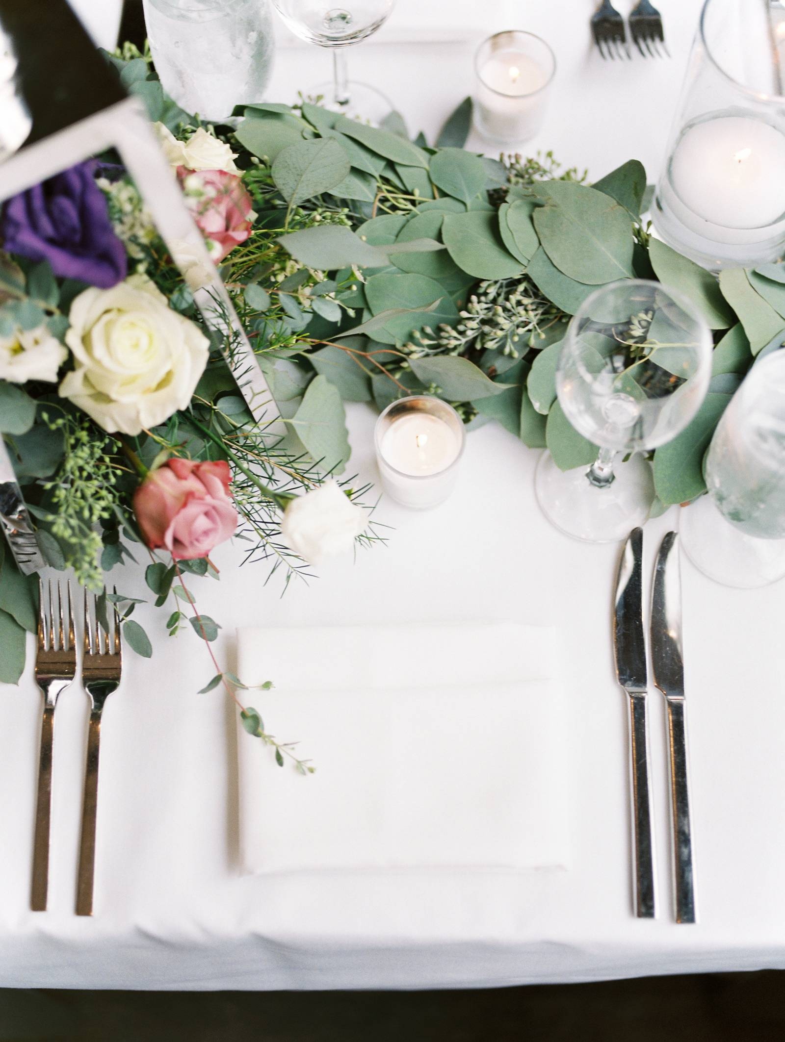 Colorado wedding planned by Revel & Roots Events | simple and elegant table decor inspiration for we
