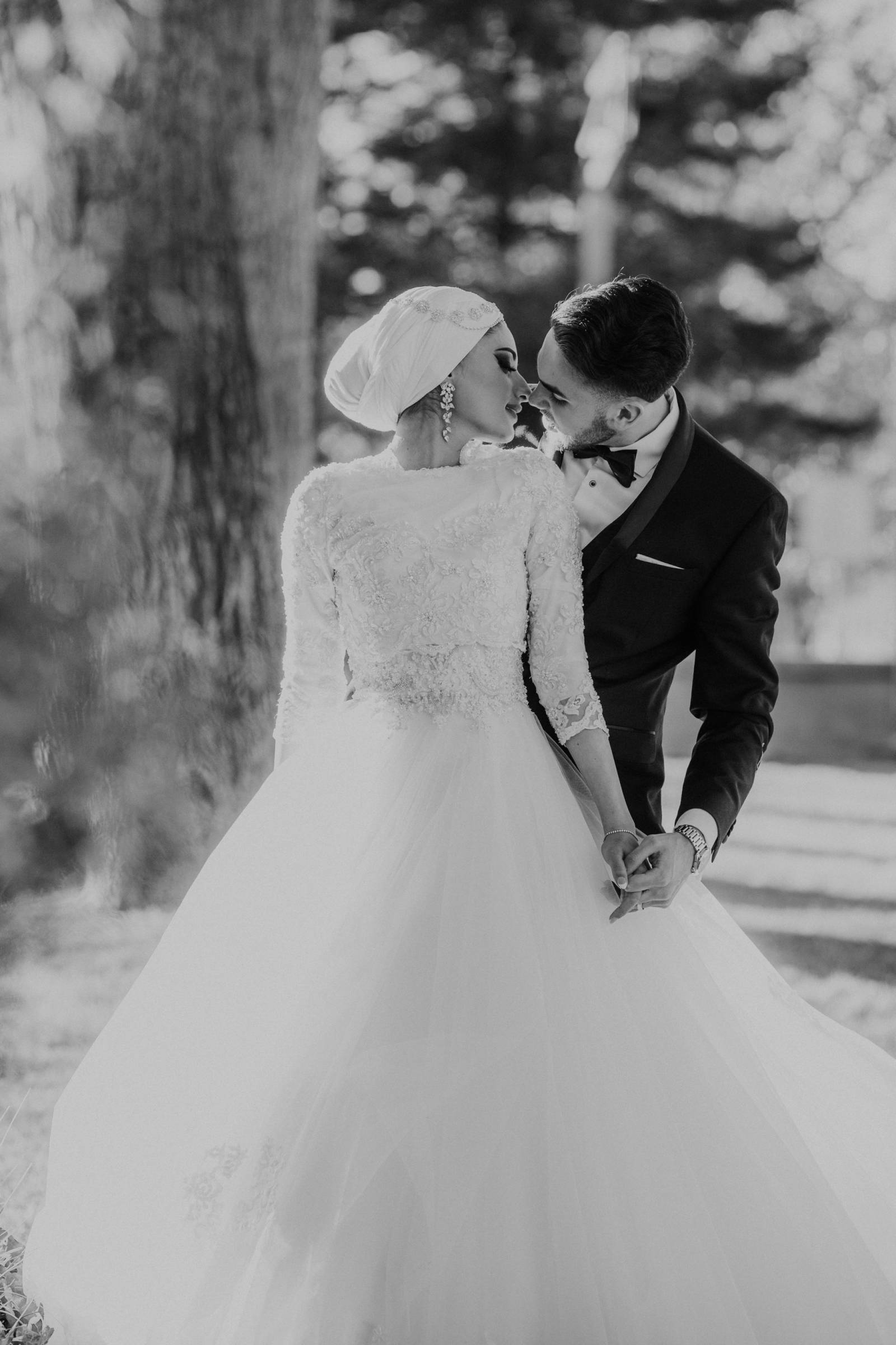 vintage wedding portrait of bride and groom captured by Albuquerque photographer Blue Rose Photograp