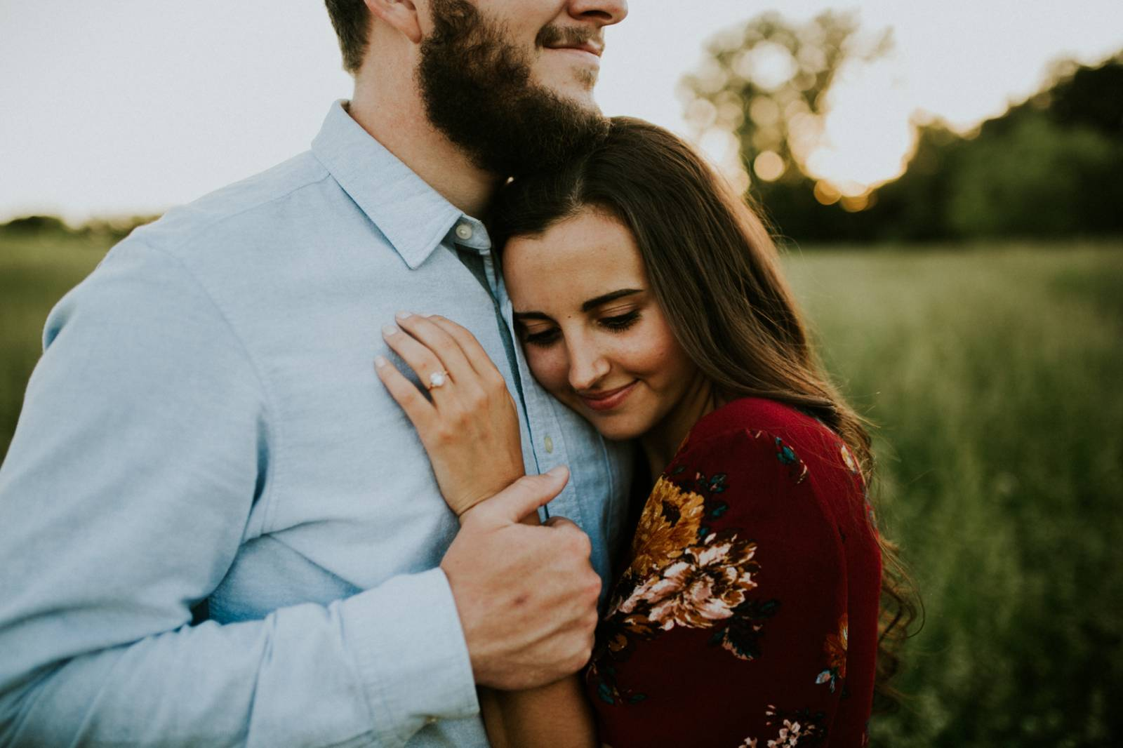 Jaclyn Dickens Photography | romantic spring engagement photo inspiration