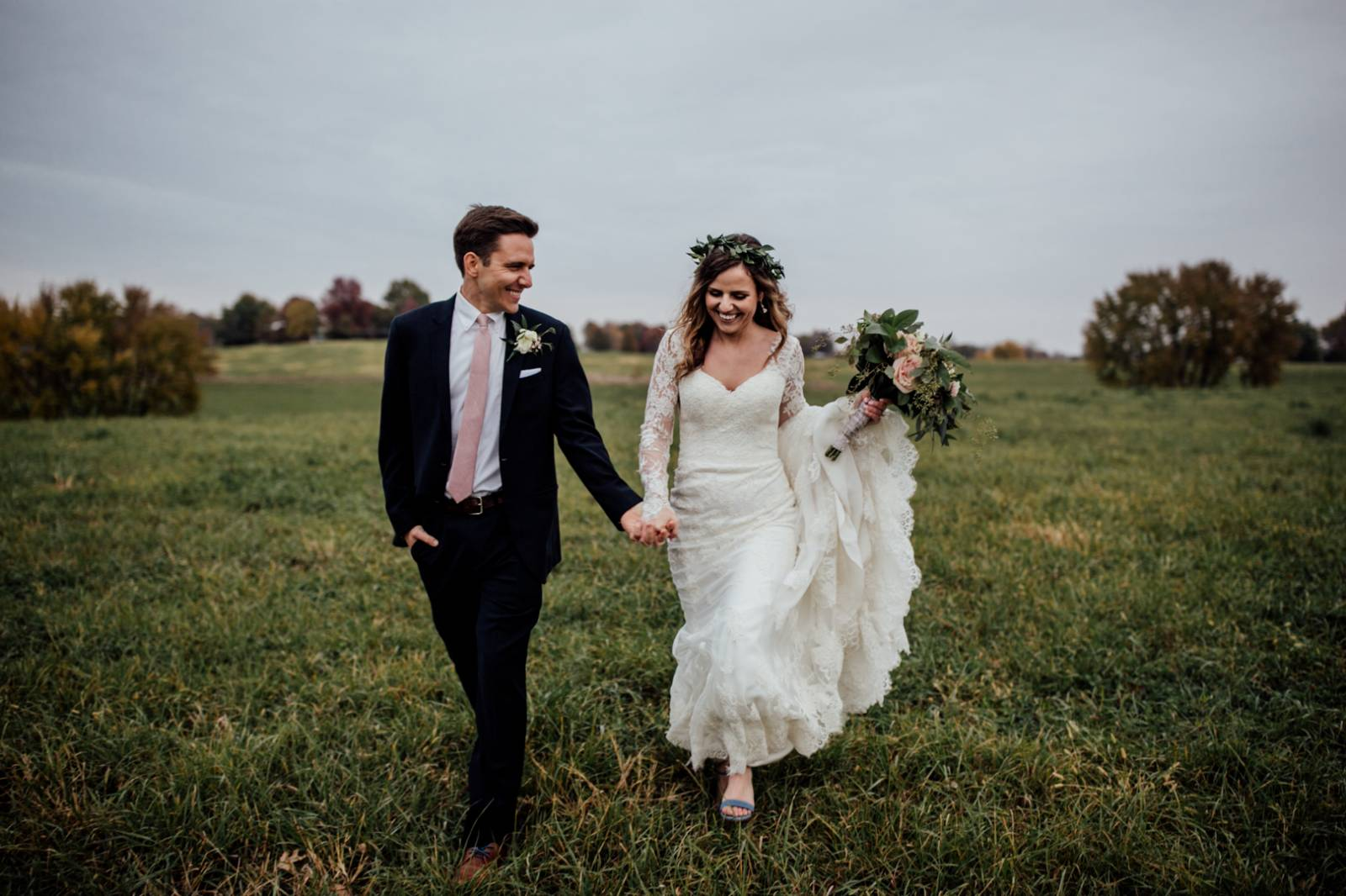 Jaclyn Dickens Photography | outdoor wedding portrait | bride in lace wedding gown