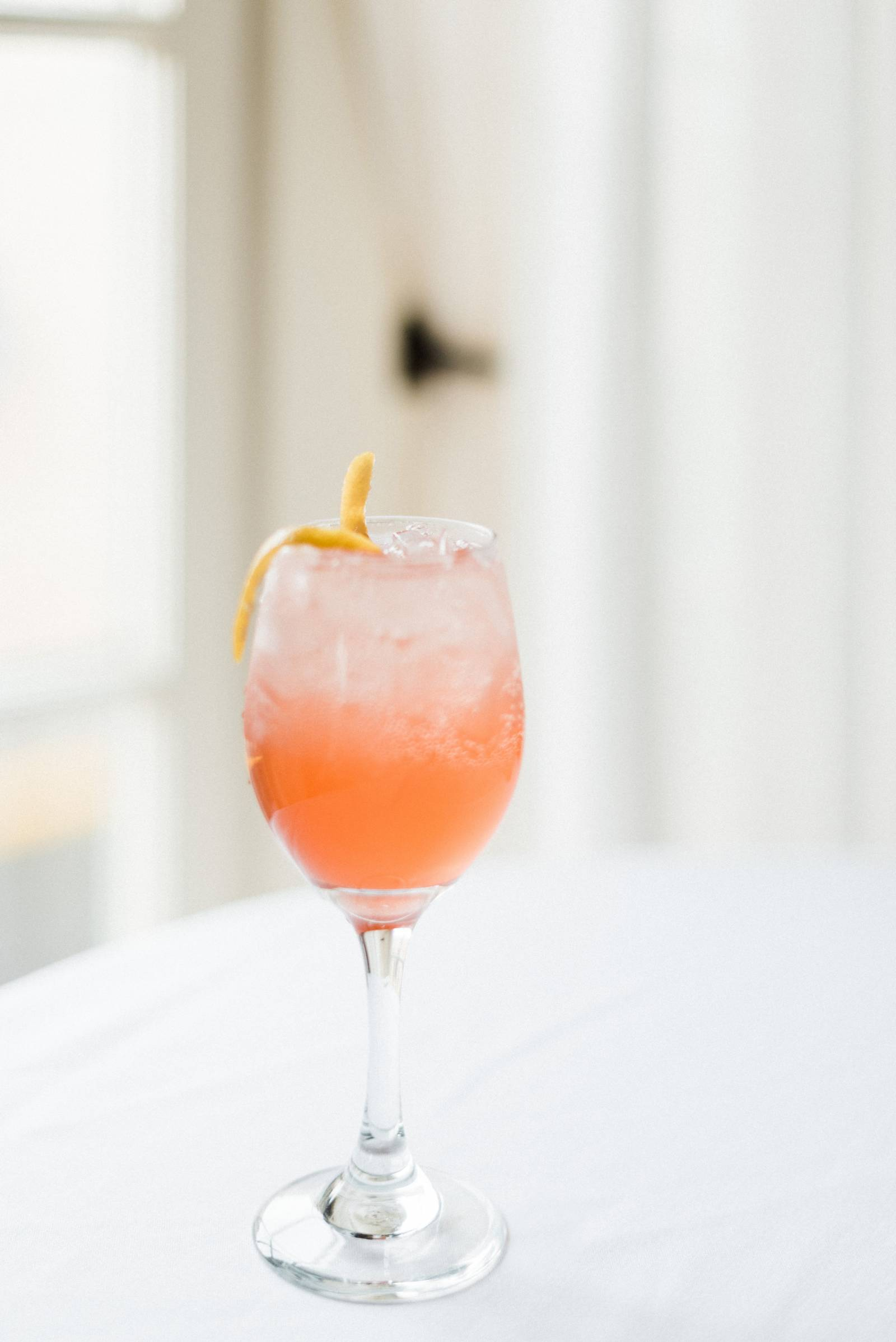 signature cocktails for your summer wedding event | The Baxter Hotel