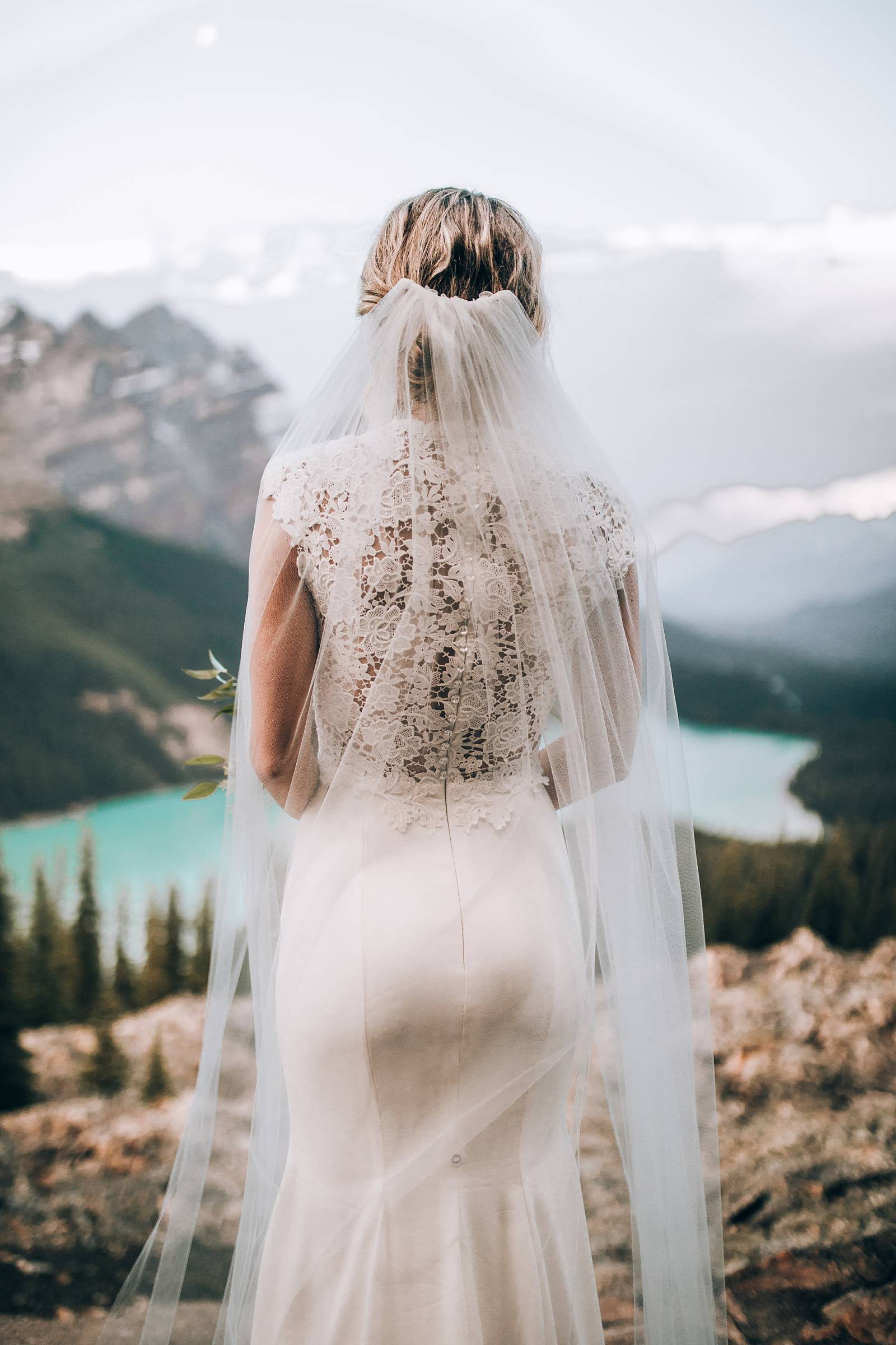 bride style | Lake Louise, Alberta wedding inspiration