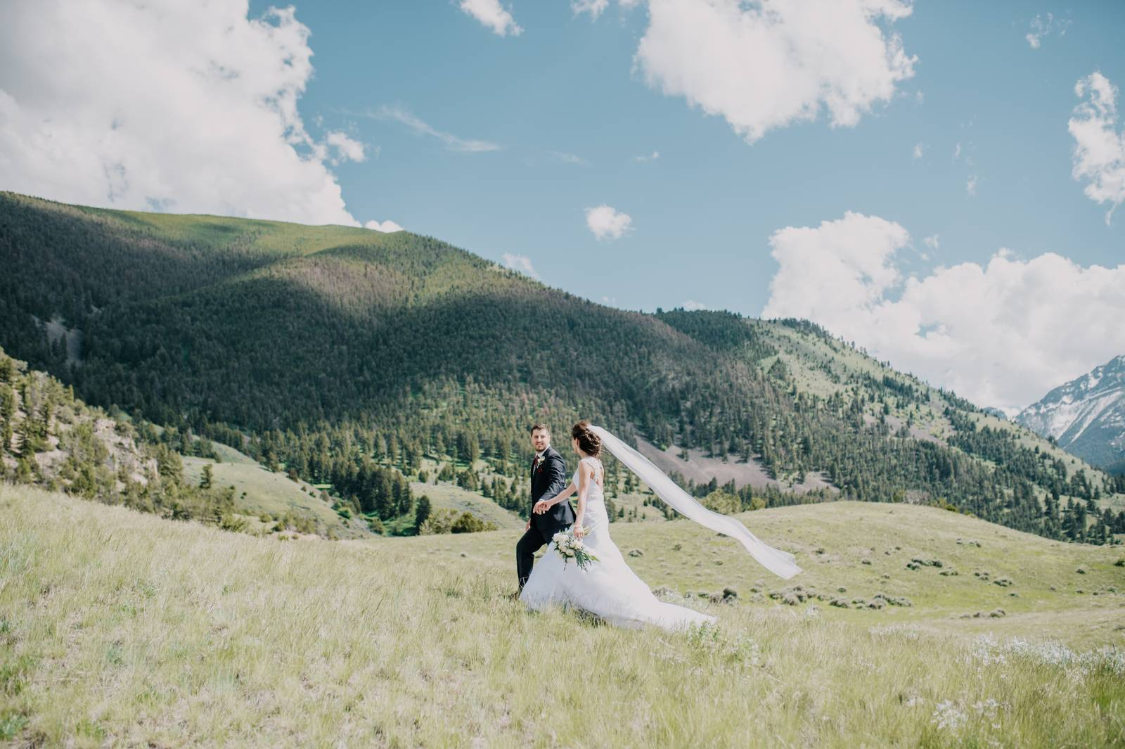 Montana wedding inspiration | Chico Hot Springs Wedding | bride and groom