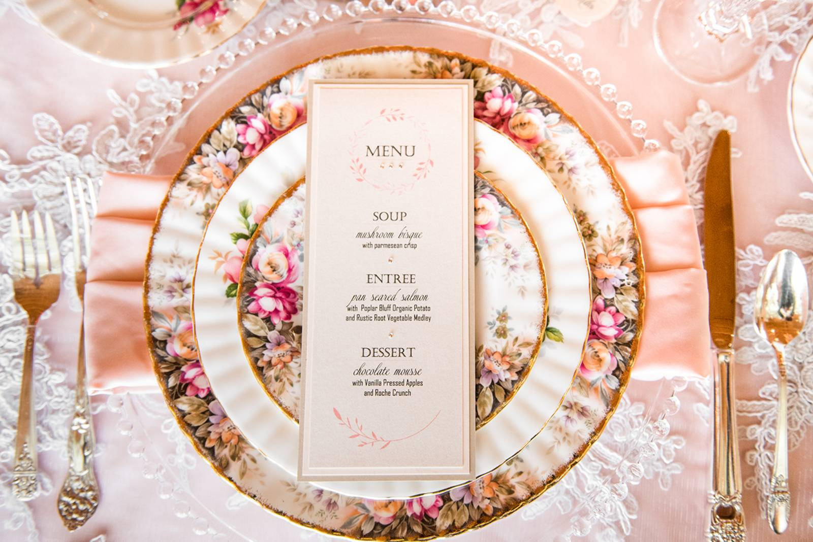 vintage place settings | elegant wedding reception | Pampas Wedding Inspiration