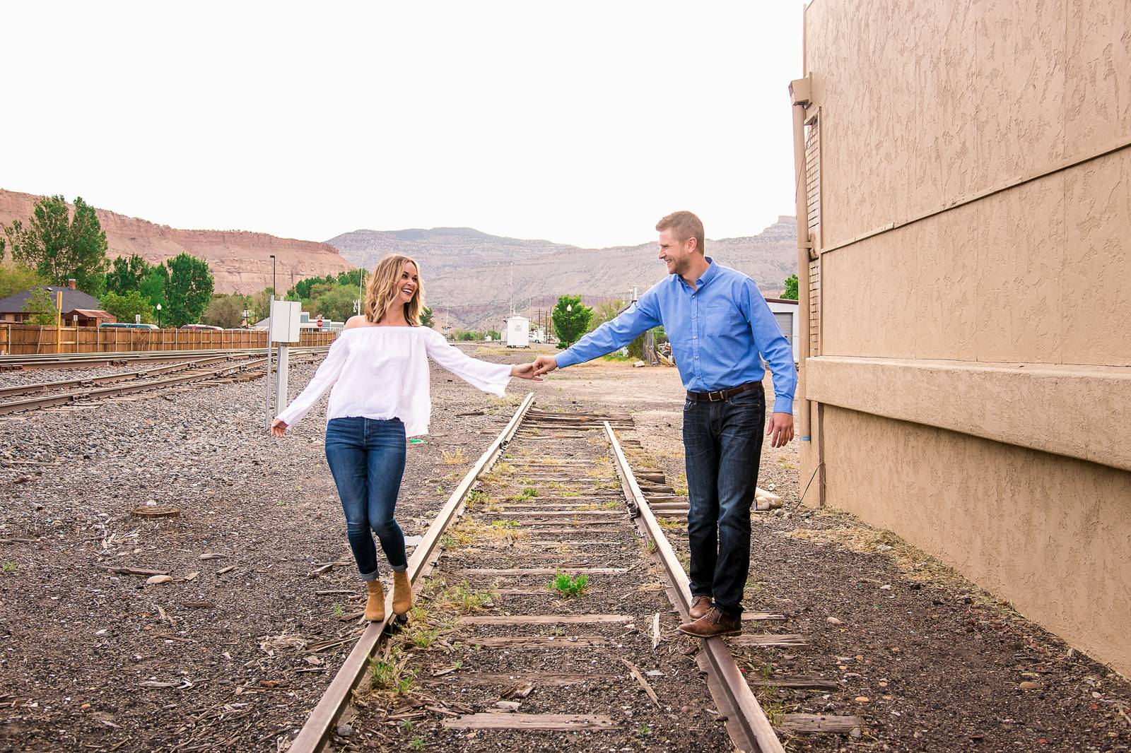 Colorado engagement photo session captured by Grand Junction Wedding Photographer, Carved Tree Photo