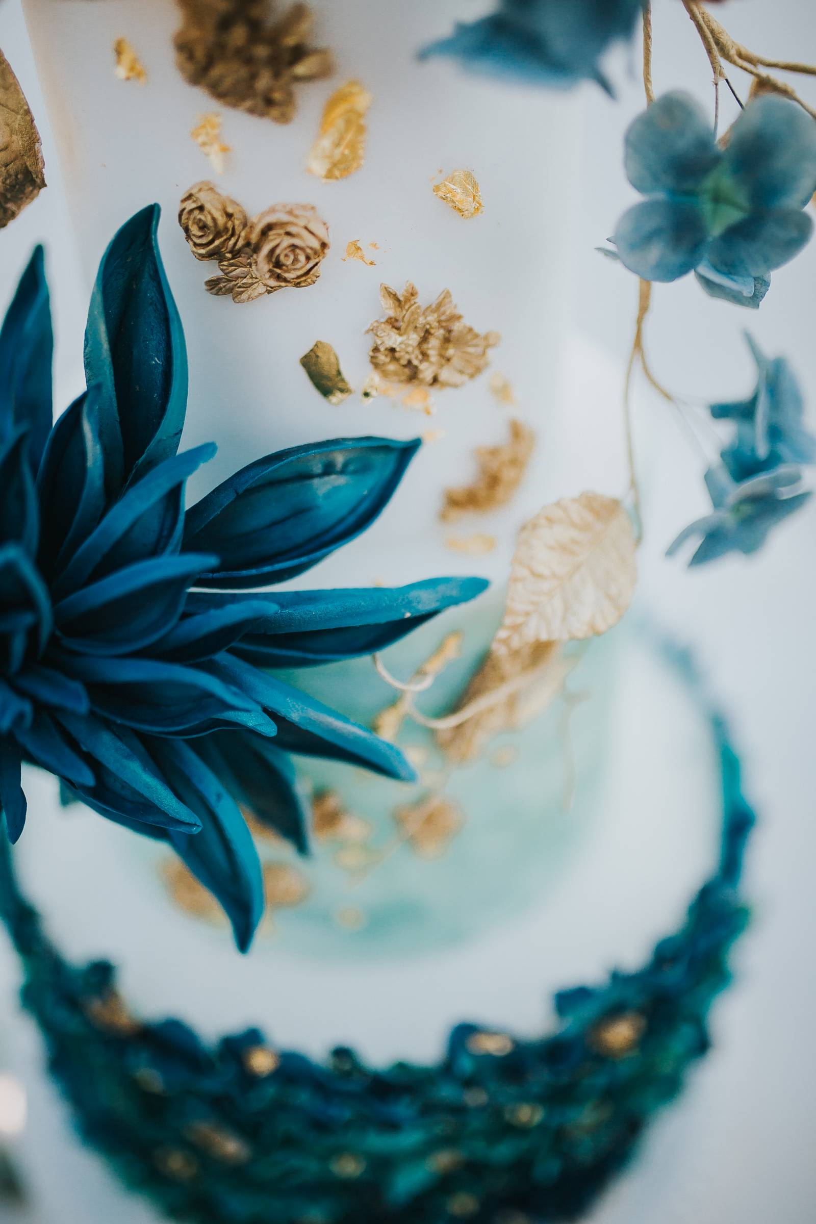 Salt Flats, Utah | gold and teal wedding inspiration | cake