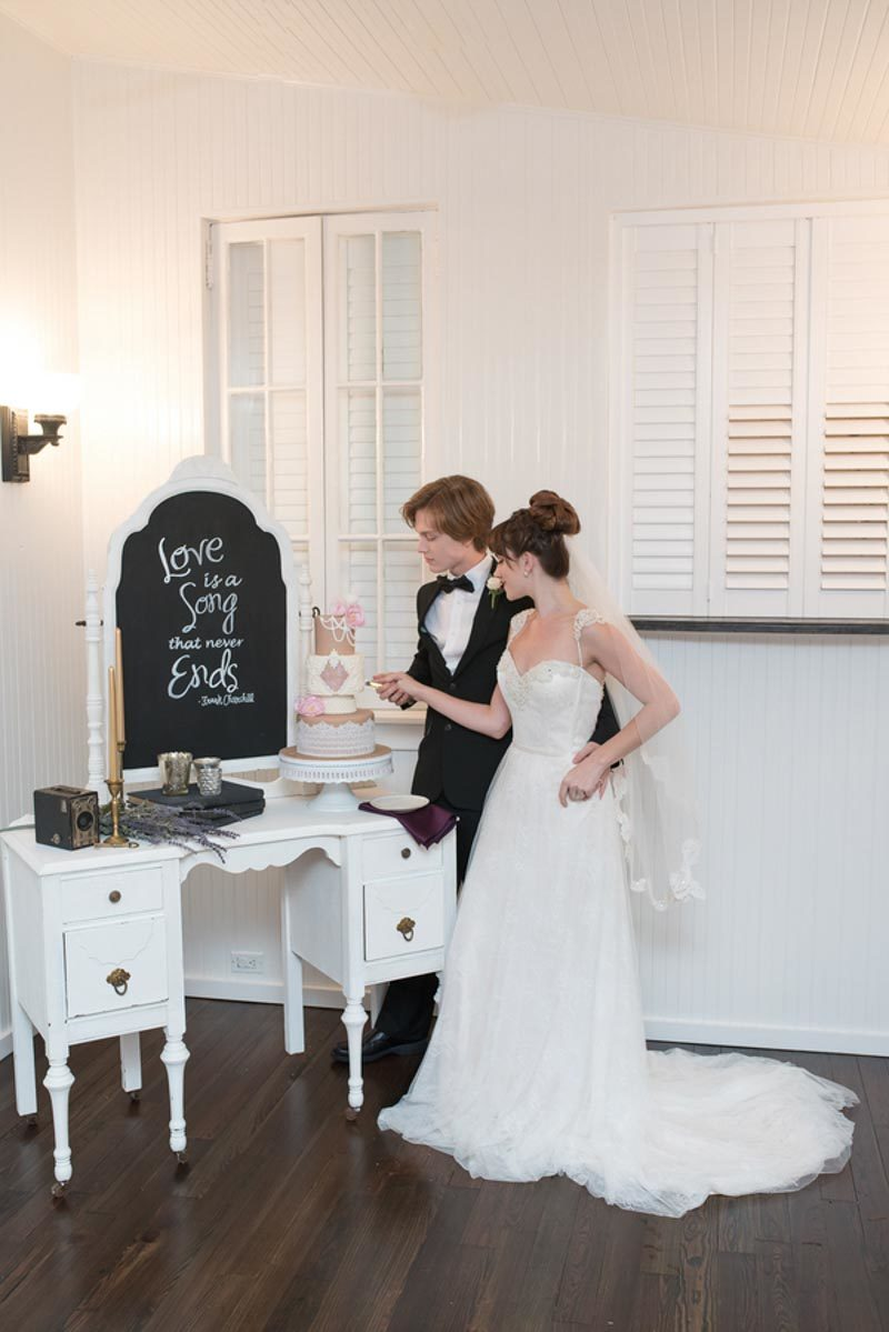28corner-house-photography-ballet-wedding-inspiration-31