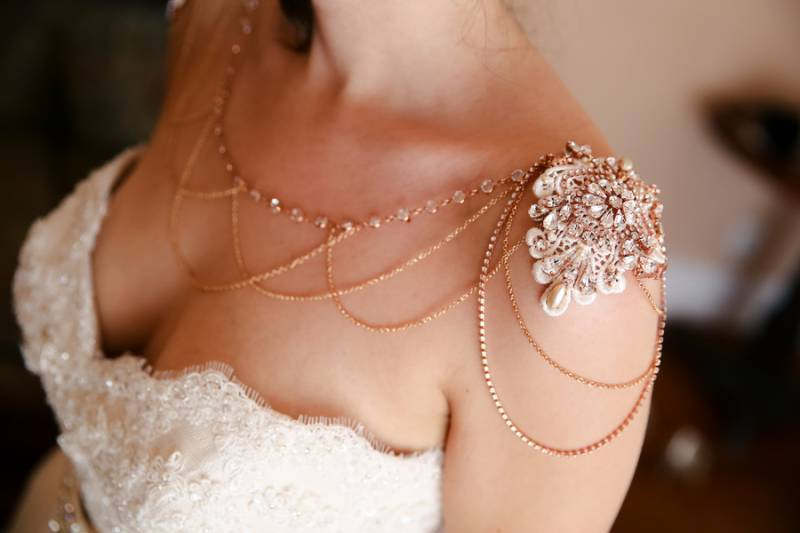 Bridal accessory shoulder jewelry