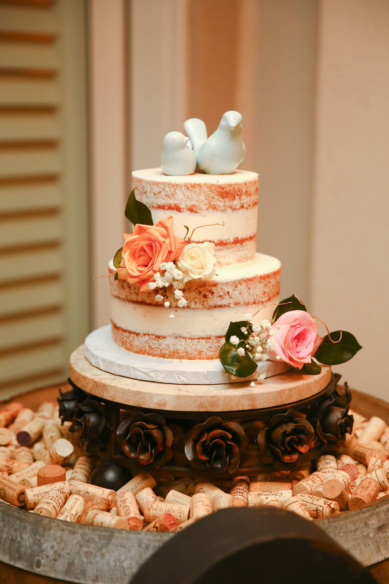 Naked cake with dove cake topper