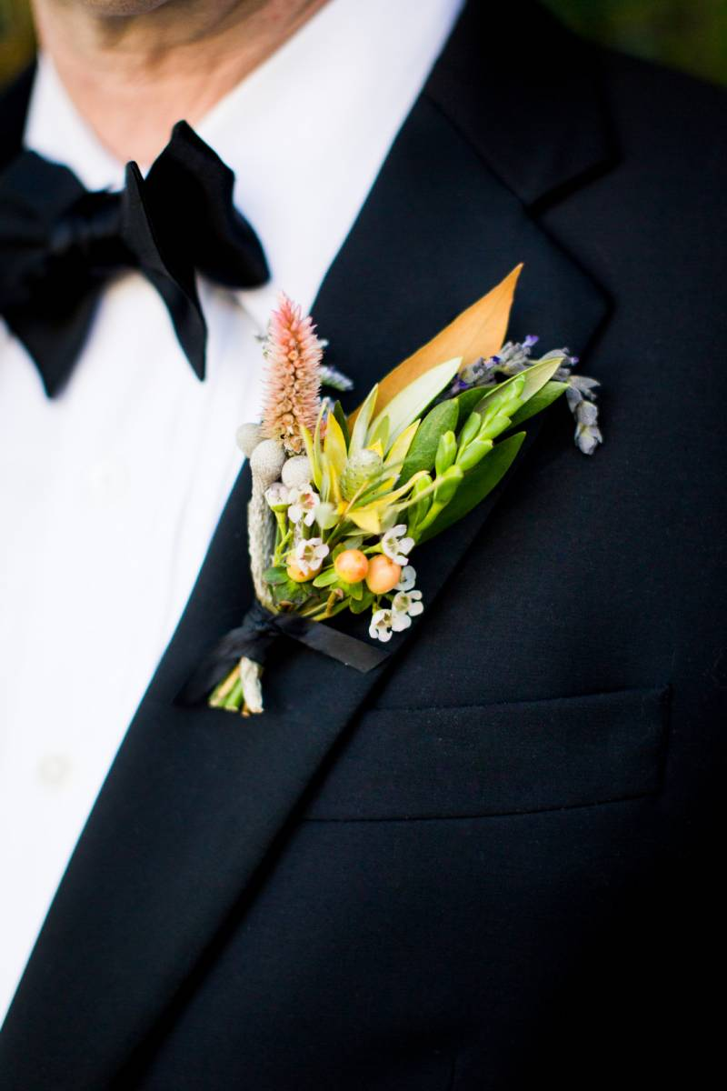 Stylish wildflower boutonniere