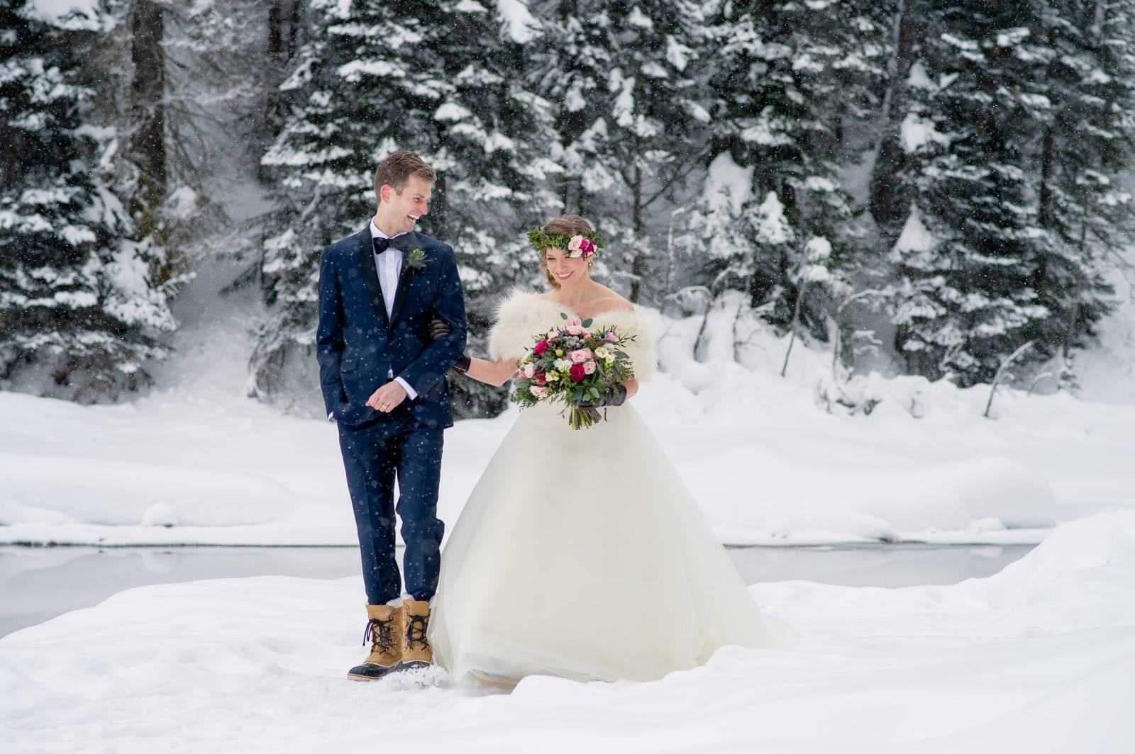 Winter wedding tips wedding tips if you are asking your wedding party to step outside for winter wedding photos then ask them to bring cute winter boots and thermal leggings with them to junglespirit Images
