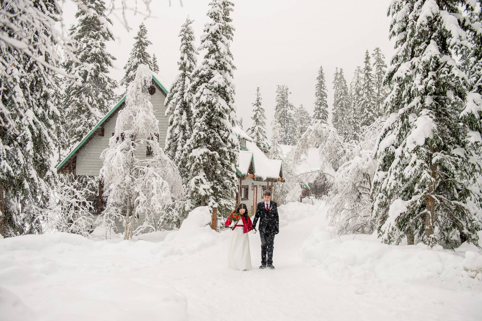 Emerald Lake Lodge Has An Amazing Elopement Package That Includes All You Need For Your Wedding And A Stay In Own Cabin