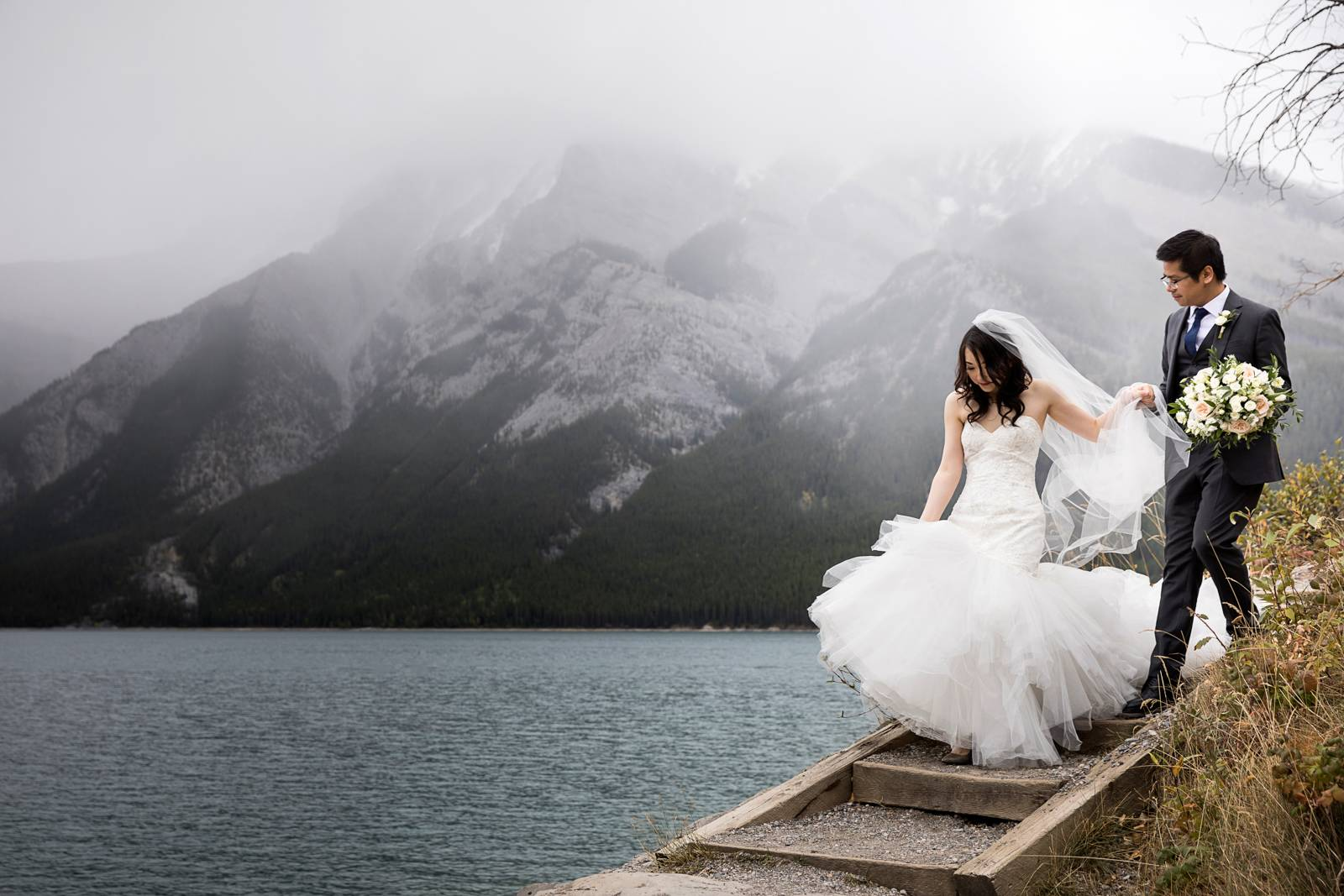 Lake Minnewanka Wedding, Banff Wedding Photographer, Banff wedding, Banff Elopement, Banff Elopement
