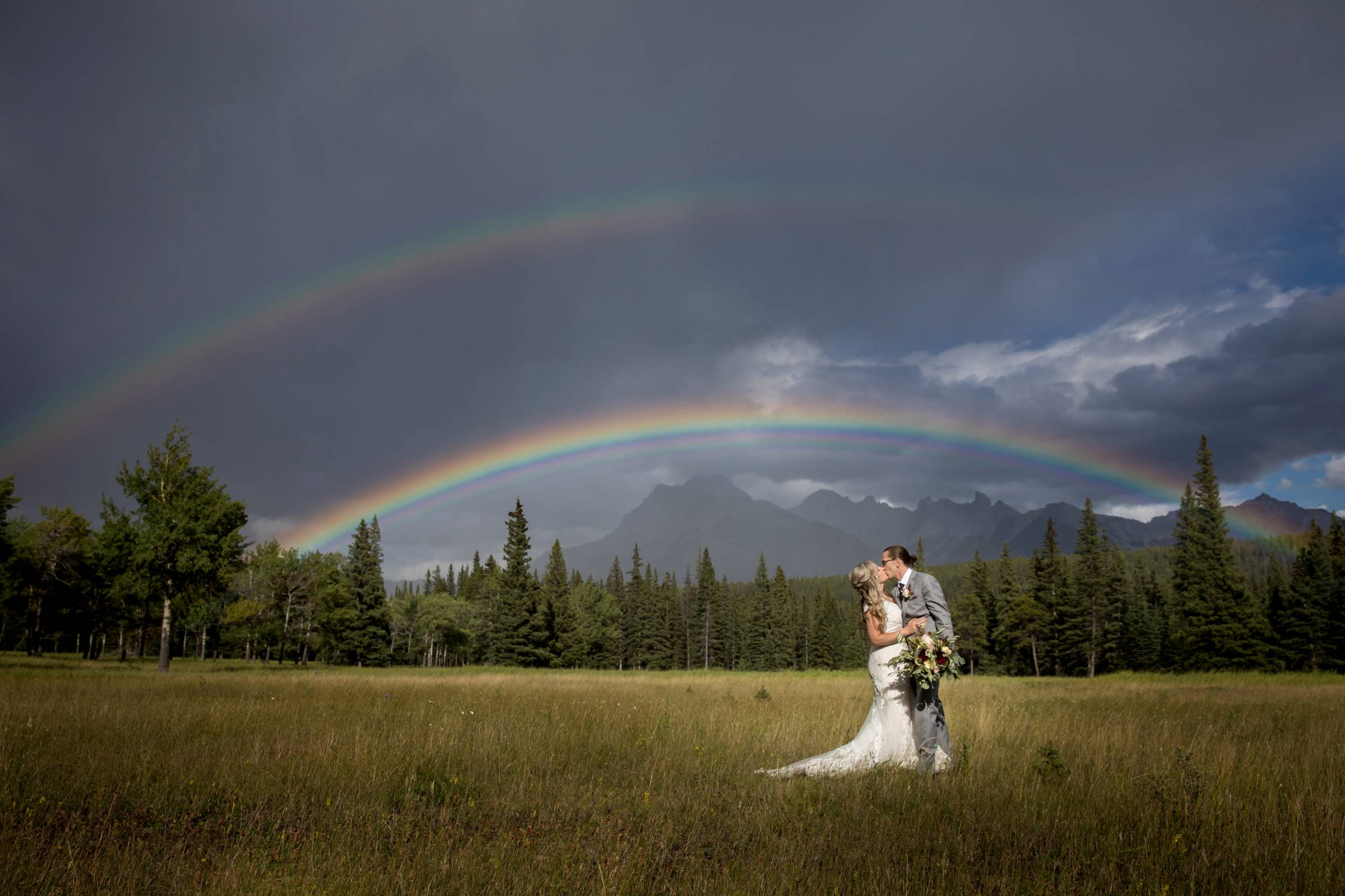 Banff Wedding and Elopement Photographer, Banff Micro Wedding, Banff Intimate Wedding,Banff Rainy We