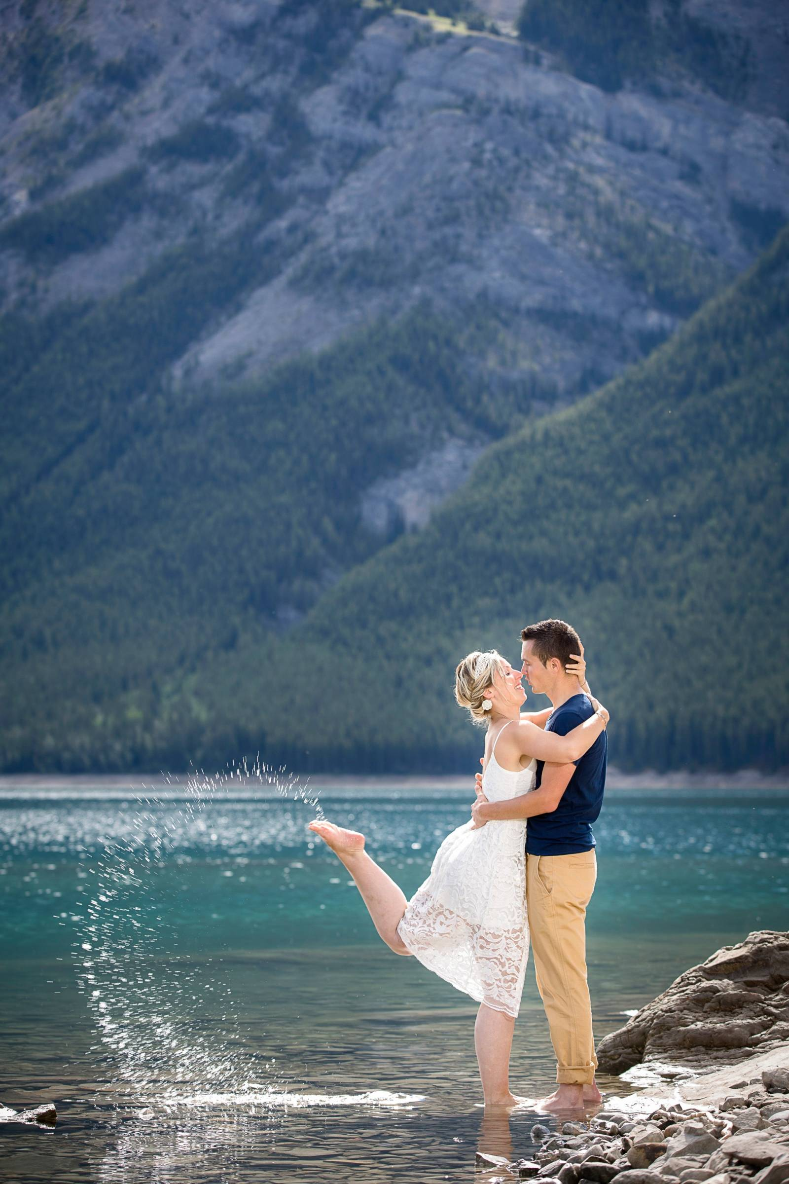 Banff winter Engagement, Banff wedding Photographer, Banff engagement photographer, mountain engagem