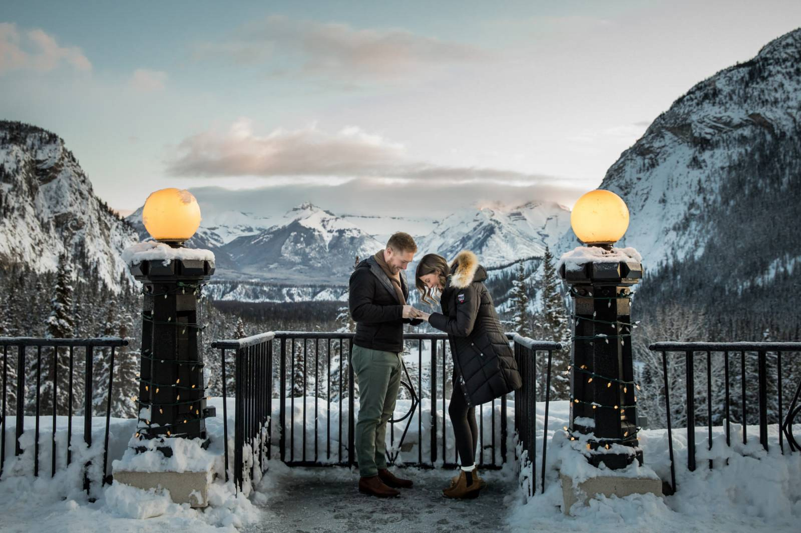 Fairmont Banff Springs Proposal, Banff Engagement Photos, Banff Proposal Photographer, Mountain Prop