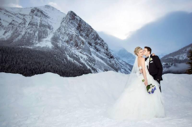 Fairytale Winter Wedding At The Fairmont Cau Lake Louise Item 36